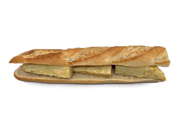 Bocadillo de tortilla de patatas grande